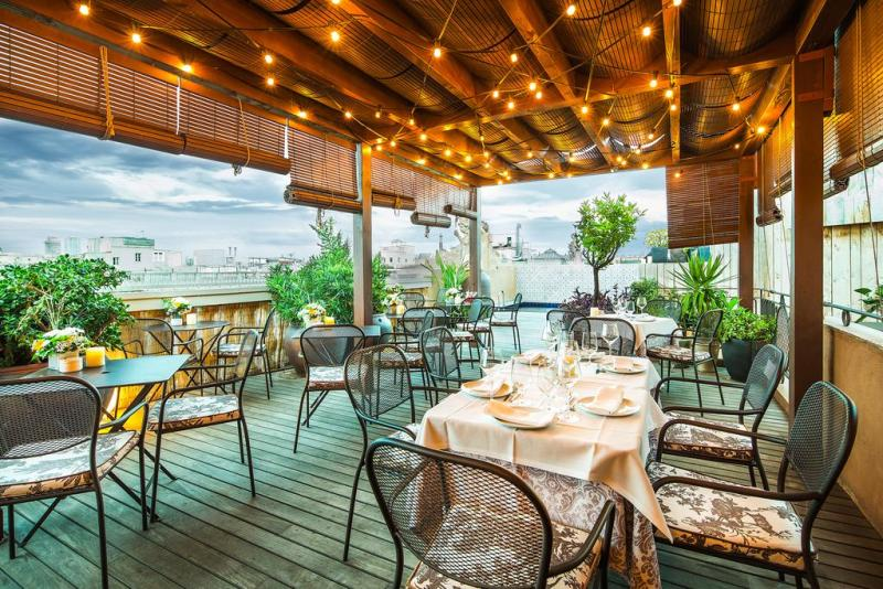 exclusive-hotels-in-barcelona-hotel-do-placa-real-rooftop-terrace