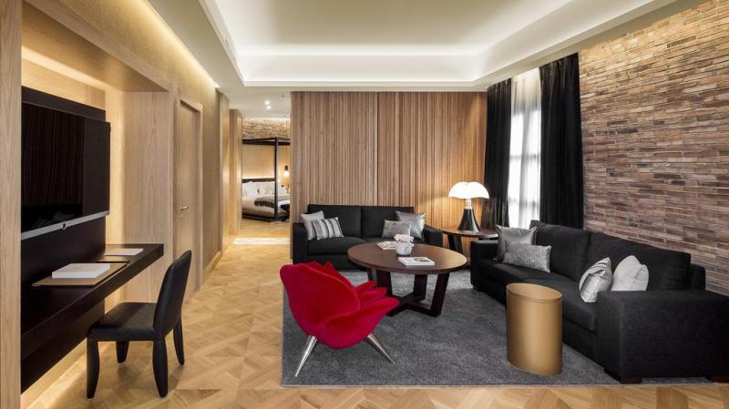 exclusive-hotels-in-barcelona-monument-hotel-superior-suite