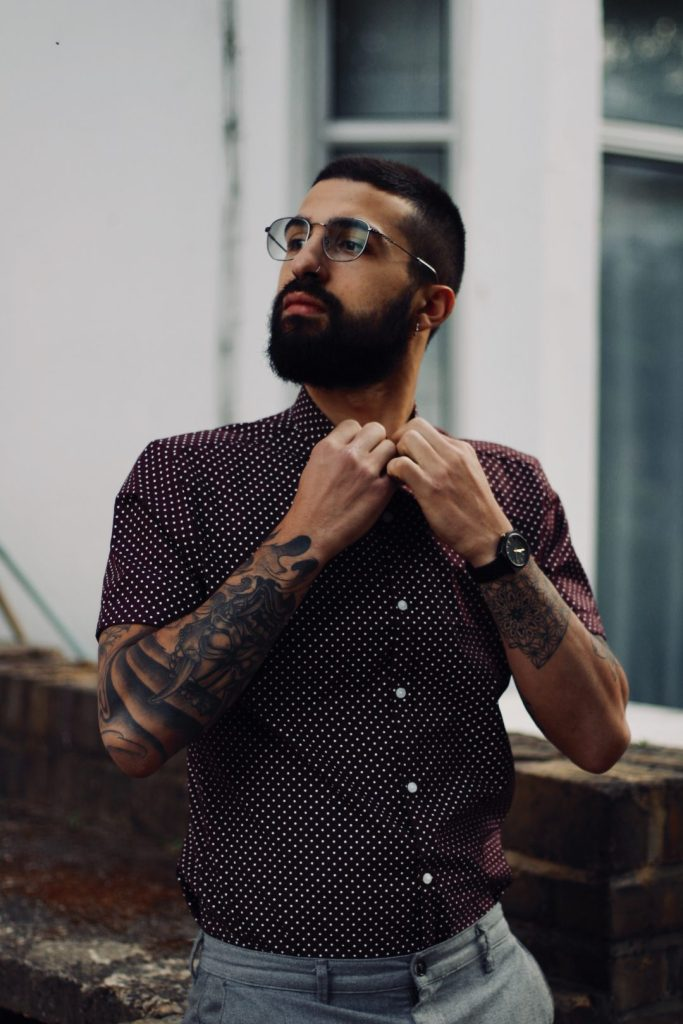 cute-barcelona-boys-beard-glasses