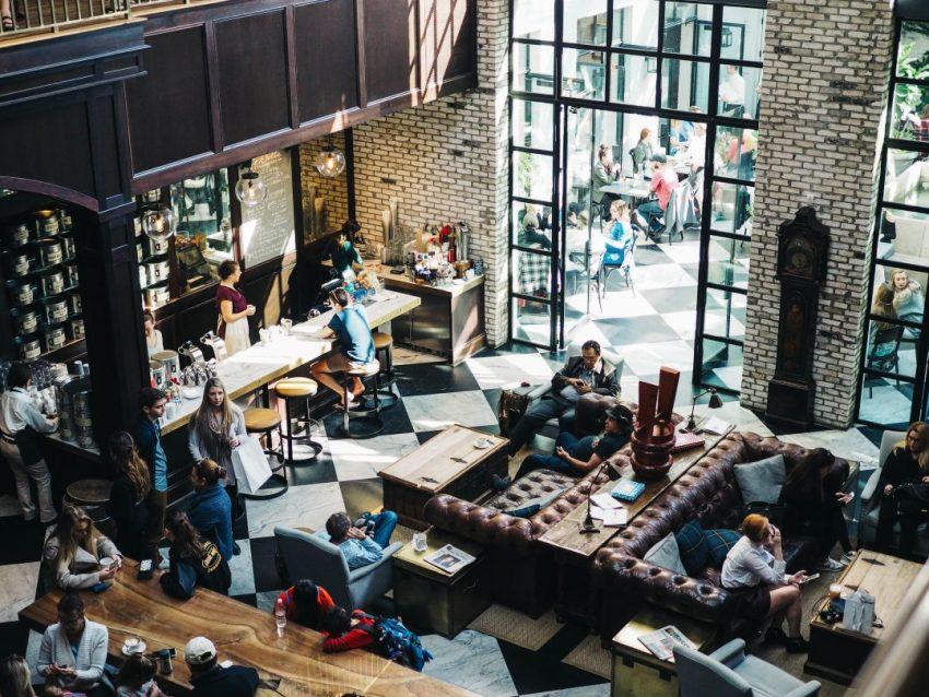 how-to-open-a-hostel-bar-cafe-party-hostel
