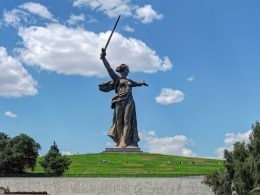 the-motherland-monuments-russia-volgograd