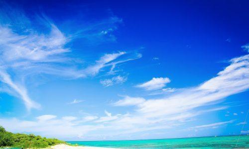 沖縄の海はいつまで泳げるか?海水浴シーズンを地元民が教えます!