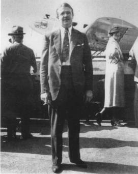 Berigan shown at the Burbank-Glendale, CA airport upon leaving Benny Goodman's band, October 2, 1935. Note the bulge in his right inside jacket pocket and rumpled suit. At this point, Bunny still had a number of rough edges that would soon be smoothed out. As a bandleader, no matter how dire his financial straits, he always looked perfectly turned-out.