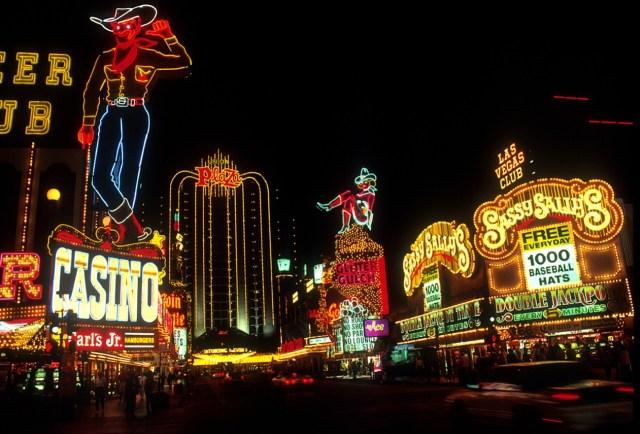 Macaulay Culkin Points Las Vegas