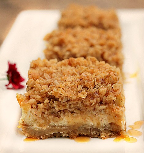 Caramel Appel Cheesecake Bars