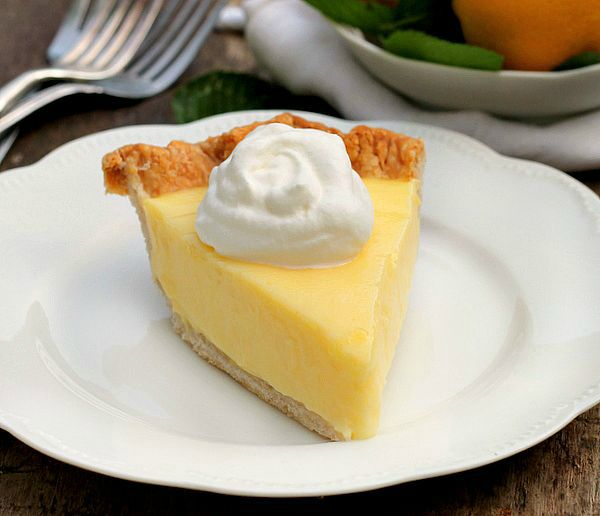 Sour cream Lemon Pie