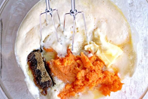 sweet potato dinner rolls