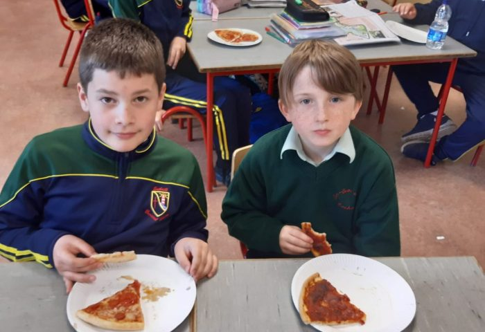 Pizza party time in 3rd classes