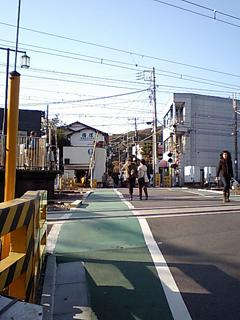 鎌倉駅脇の踏切