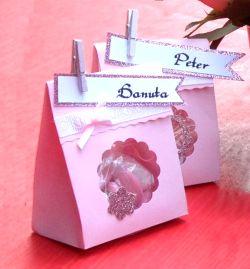 Tütchen mit Taufmandeln als Gastgeschenk