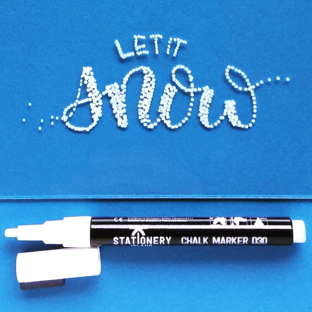 Let it snow - Hand Lettering mit Chalk Marker (Kreidestift) auf Glas