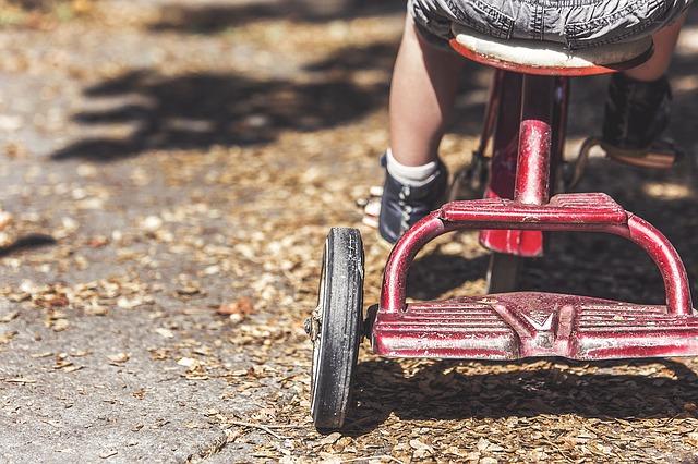 Kennst du die 7 wichtigsten Bausteine, um dein hochsensibles Kind zu unterstützen?