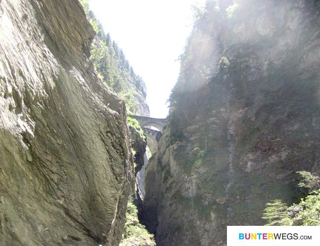 Die Viamala-Schlucht in Graubünden, Schweiz