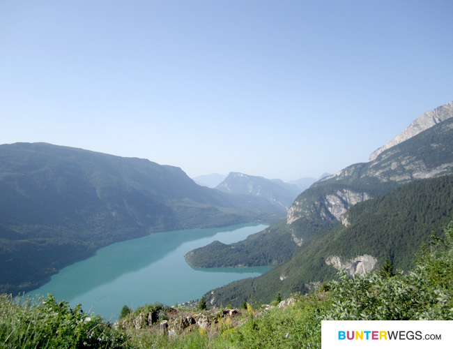 Blick auf den Molveno-See, Italien