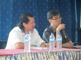 "Moderator dalam Seminar ""Meningkatkan Etos dan Perstasi Anak Asuh"" bersama Salimin Djohan Wang (pemateri)"