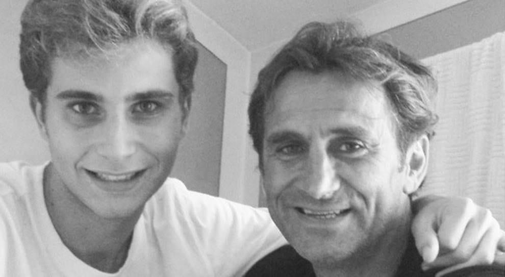 ++ULTIM'ORA++Alex Zanardi non è più in pericolo di vita. Il figlio Niccolò: «Papà ce la farà, non è più in pericolo di vita»