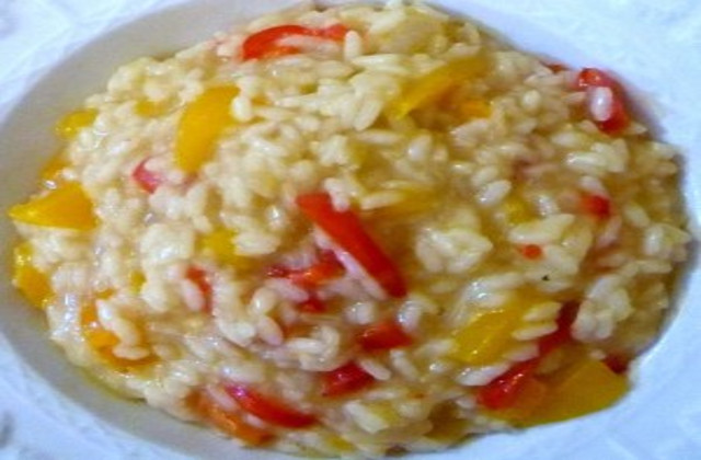 Zuppa ai peperoni gialli e rossi