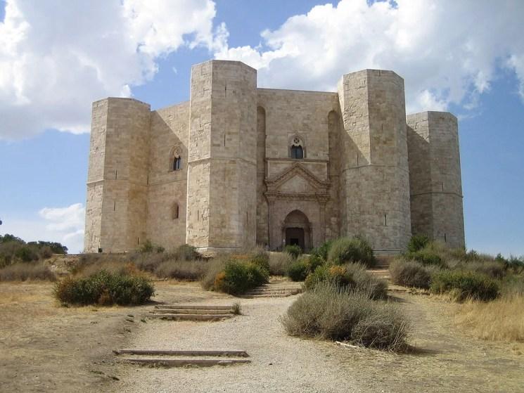 デル・モンテ城