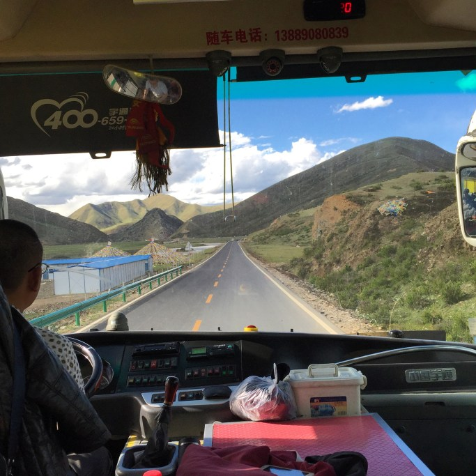 Picturesque road throughout Sichuan's Aba province