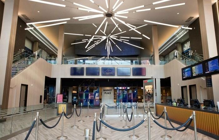 Universal Cinema Opens At Universal City Walk!