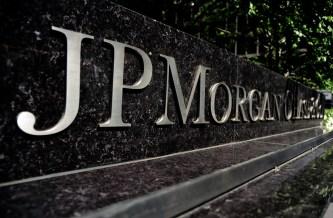 JPMorgan Shares Tumble After $2 Billion London Trading Loss