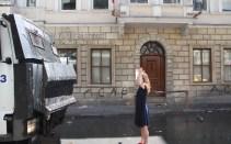 Taksim-Gezi-Parkı-Eylemci-Siyahlı-Kadın_Kate-Cullen_002