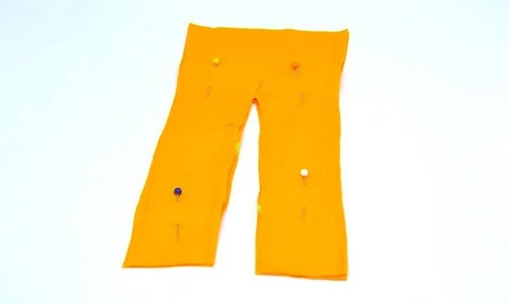 Қуыршақтарға арналған киім өзін-өзі істейді: қарапайым жолдар мен лифтілер