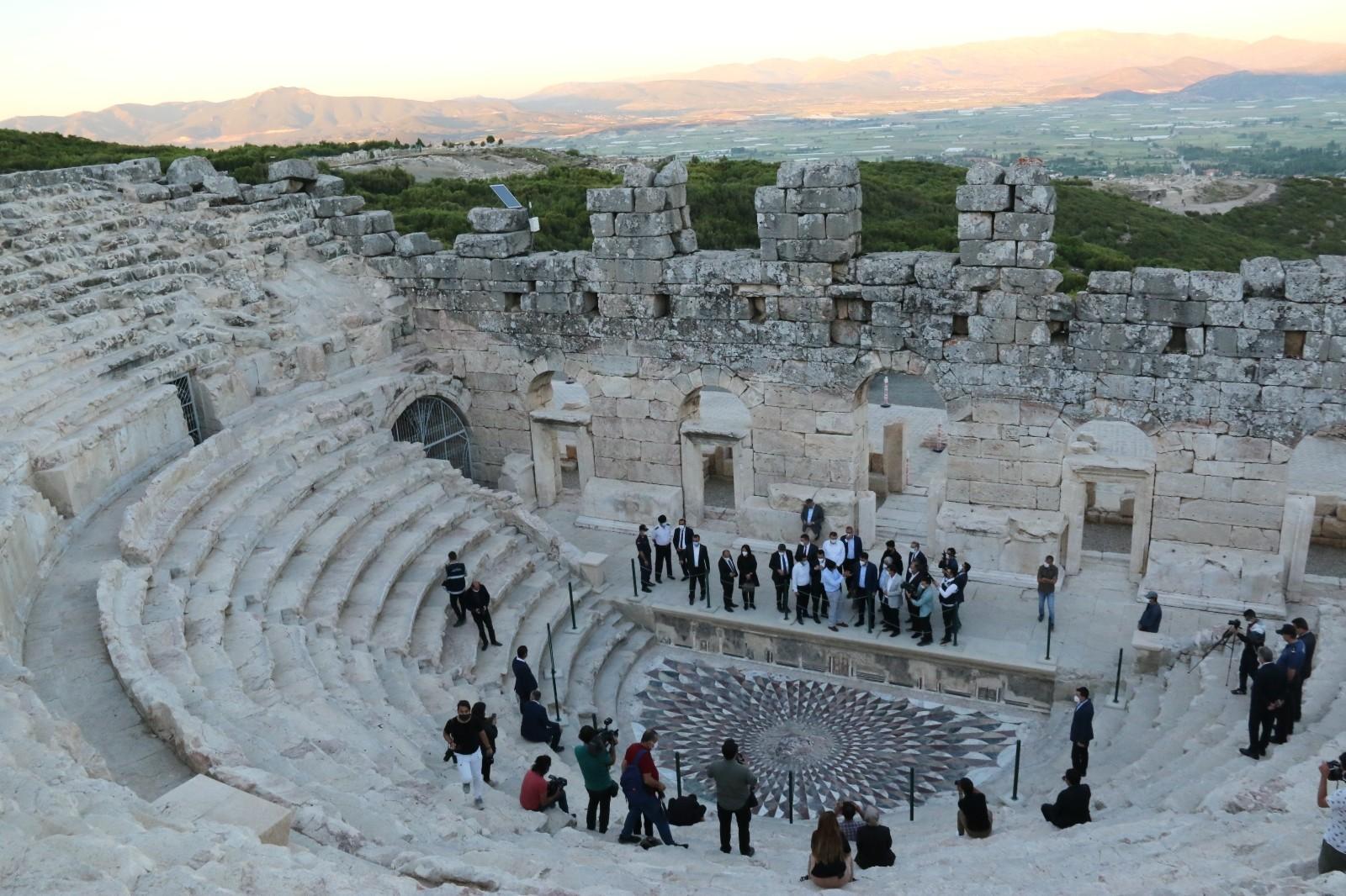 Bakan Kurum, Kibyra Antik Kenti'nde incelemelerde bulundu