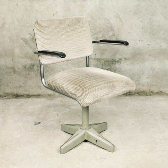 Vintage Gispen bureaustoel met bakelieten armleggers