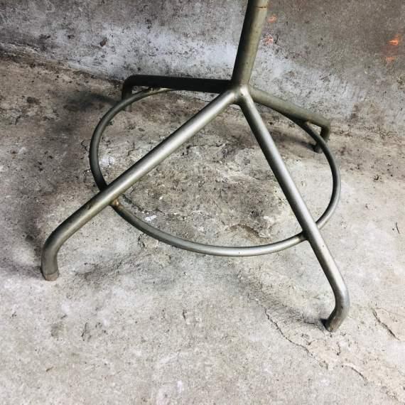 Vintage industriële staande kapstok