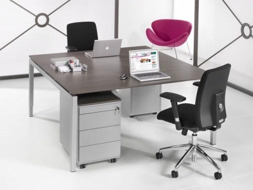 QBic Duo bureau voor twee personen met aluminium poten en Antraciet Eiken blad