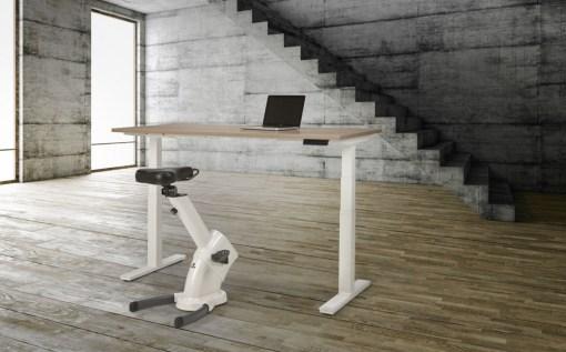 Max zit sta bureau tot 130 cm, bedienbaar met App. Bureaustoelen MKB