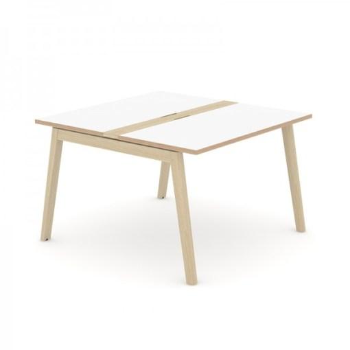 Nova Wood vergadertafel 120 x120 cm met wit blad en eiken gebeitst onderstel. Narbutas   Bureaustoelen MB