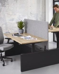 Max duo zit sta burea met wang, frame zwart, blad halifax. Bureaustoelen mKB
