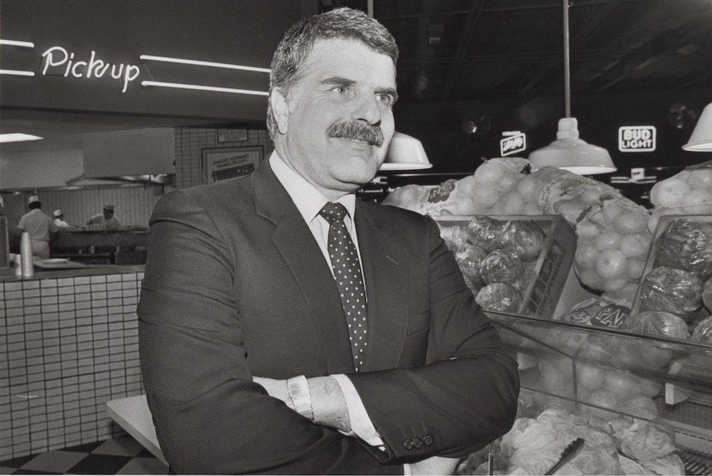 Fuddruckers founder Phil Romano, 10-24-84