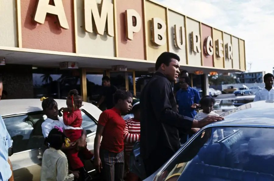 ChampBurger picture by Thomas Hoepker, Miami, 1970