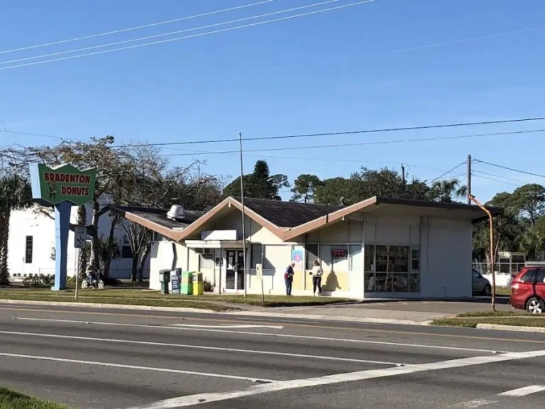 Bradenton Donuts – Bradenton, Florida