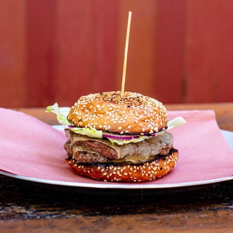 4505 Burgers & BBQ Cheeseburger