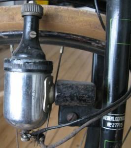 Voorvork met lamphaak en Omnia dynamo (fabrikant Elvea) 1940