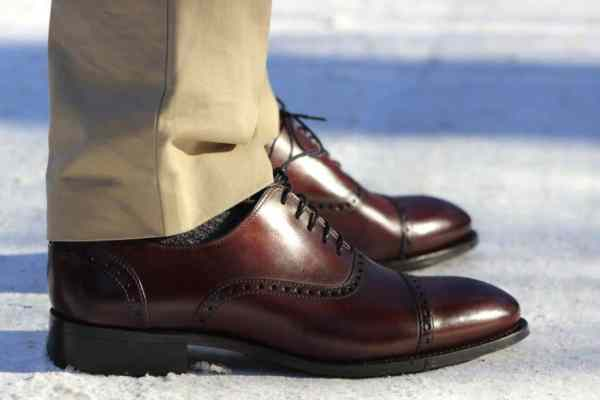 """""""what to wear for an interview male how to dress for an interview male formal dress for interview for man where to buy interview clothes smart casual interview outfit male shoes to wear to an interview male professional attire do's and don'ts appropriate casual business dress for men"""""""