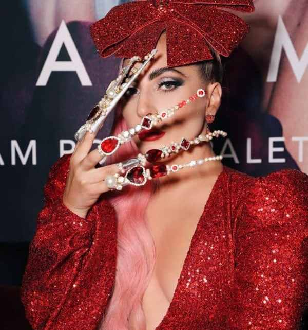 How To Dress Like Lady Gaga? Fashion Outfit Style Ideas to Upgrade Your Wardrobe Pieces