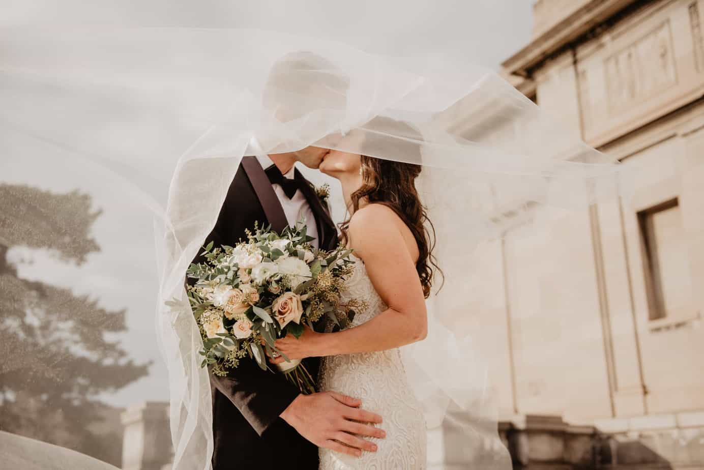 Here Are Several Ways To Make Your Wedding Unique And Unforgettable: Best Tips To Make Your Experience Beautiful And Memorable  (2021)