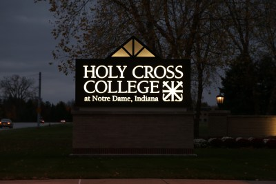 Holy-Cross-College-Sign-at-night