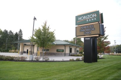 Horizon-Bank-Sign-12