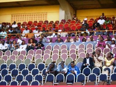 Les gradins du stade Sangoulé Lamizana sont restés pour la plupart inoccupés à l'ouverture de la SNC 2016