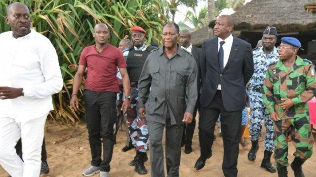 Les autorités ivoiriennes, le président Alassane Ouattara en tête, se sont rendus sur les lieux du drame