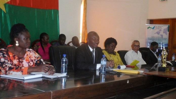 Le s membres du comité d'organisation étaient fortement mobilisés pour présenter leur projet aux hommes de média