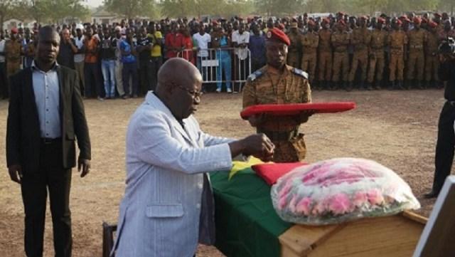 Les 12 héros nationaux tombés les armes à la main ont été décorés à titre posthume