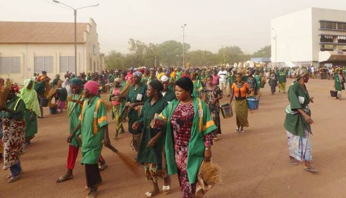Les artères de Bobo prises d'assaut par les femmes de la brigade verte