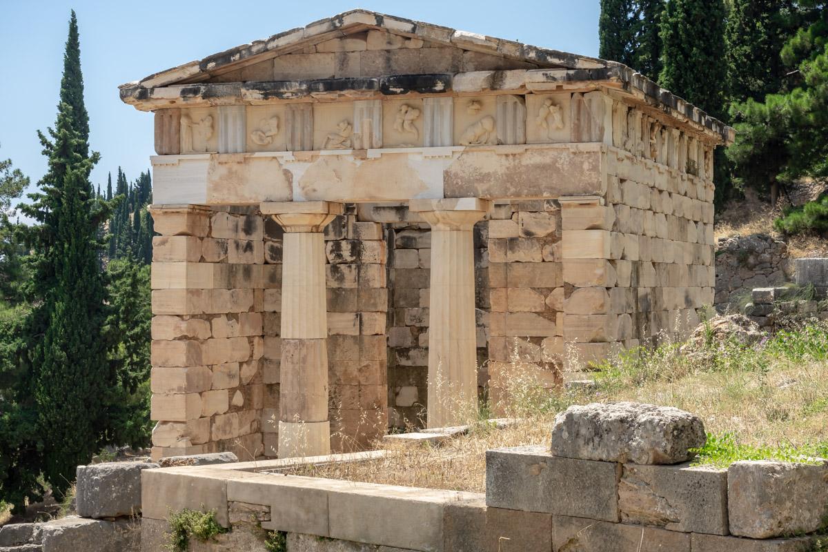 Chasing World Heritage: #115 (Delphi) – Burlaki com